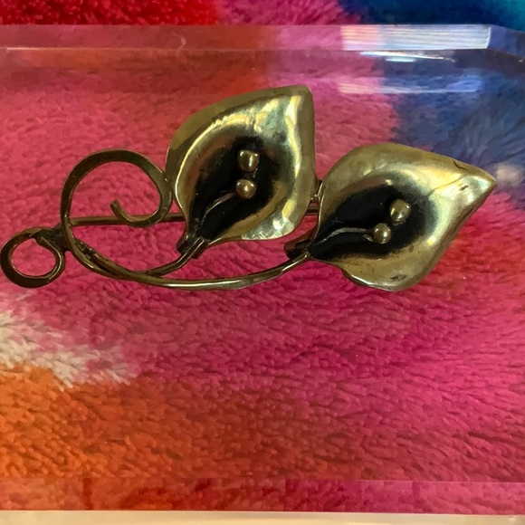 Jewelry - 3/$20 Antique Floral Brooch